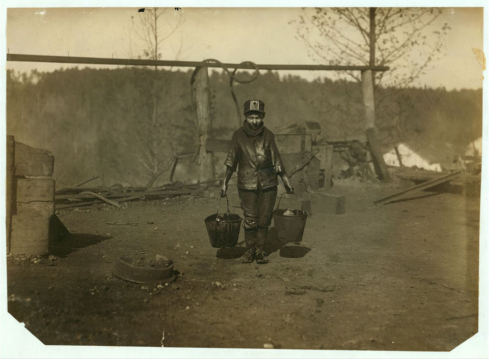 A greaser in a Coal Mine. See 1835. Location: Bessie Mine, Alabama.